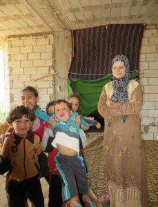 Lebanon-Syria_border_sep13VOA_05