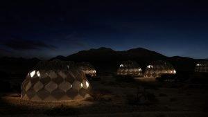 خيام مزودة بالمرافق صممت خصيصاً للاجئين