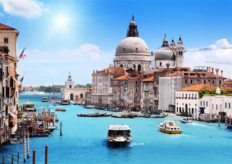 المعالم السياحية مدينة فينيسيا الإيطالية×~~